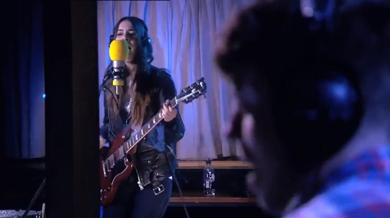 Haim Perform New Song Falling During Live Session at Maida Vale