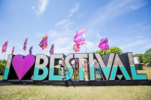 Sign - Bestival - Stevie Gedge
