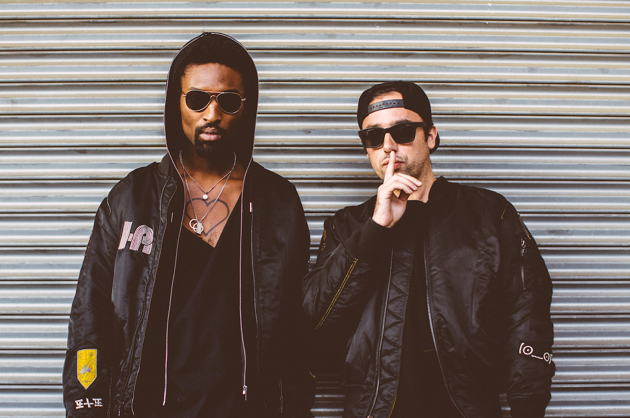 The Knocks - Kiss The Sky (feat. Wyclef Jean) 1